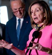 Representanthusets talman Nancy Pelosi öppnar för att återuppta samtalen om ett nytt coronakrispaket.  Andrew Harnik / TT NYHETSBYRÅN