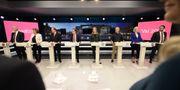 Från vänster: Jonas Sjöstedt (V), Isabella Lövin (MP), Stefan Löfven (S), Ulf Kristersson (M), Annie Lööf (C), Jan Björklund (L), Ebba Busch Thor (KD) och Jimmie Åkesson (SD). Stina Stjernkvist/TT / TT NYHETSBYRÅN