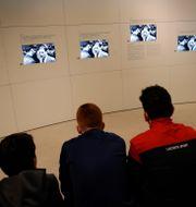 Skolelever i Paris deltar i en workshop till minne av Förintelsen under förintelsens minnesdag i januari. Christophe Ena / TT NYHETSBYRÅN