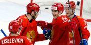 Rysslands spelar firar efter ett av målen. GRIGORY DUKOR / TT NYHETSBYRÅN