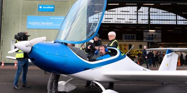 Utvecklingen av elflygplan pågår nu för fullt världen. Det tjeckiska planet Onix (bilden) har visats upp på Bromma flygplats men även från svenskt håll utvecklas en modell, dock tänkt att rymma 19 passagerare och med en räckvidd på 400 kilometer Anders Wiklund/TT / TT NYHETSBYRÅN