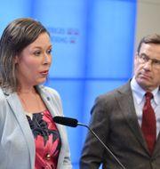 M:s migrationspolitiska talesperson Maria Malmer Stenergard och partiledaren Ulf Kristersson. Jessica Gow/TT / TT NYHETSBYRÅN
