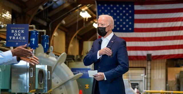 Joe Biden vid ett studiebesök i New Orleans på torsdagen.  Alex Brandon / TT NYHETSBYRÅN