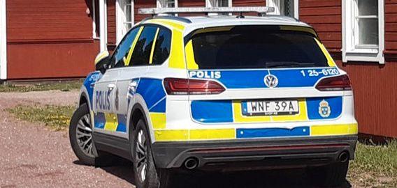 Polisinsats på platsen. /TT / TT NYHETSBYRÅN