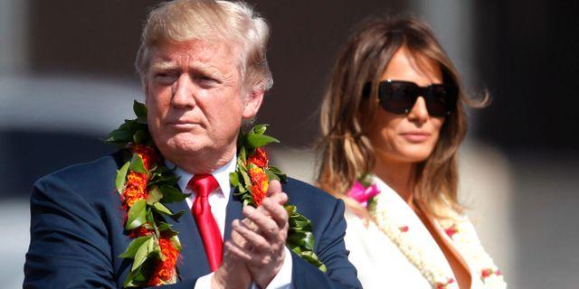 Donald Trump och hustrun Melania vid besöker på Pearl Harbor. Jamm Aquino / TT NYHETSBYRÅN