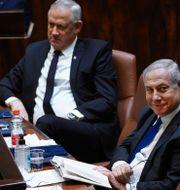Benny Gantz och benjamin Netanyahu. ADINA VALMAN / TT NYHETSBYRÅN