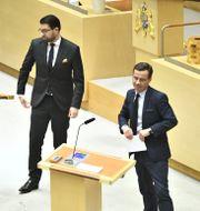 SD-ledaren Jimmie Åkesson och M-ledaren Ulf Kristersson. Claudio Bresciani/TT / TT NYHETSBYRÅN