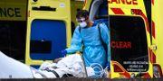 Ambulanssjukvårdare i London.  Alberto Pezzali / TT NYHETSBYRÅN