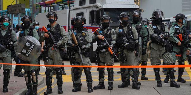 Polis i Hongkong.  Vincent Yu / TT NYHETSBYRÅN