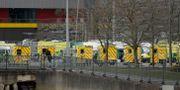 Ambulanser utanför Excel center i London. Matt Dunham / TT NYHETSBYRÅN