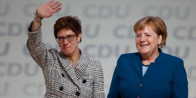 Kramp-Karrenbauer och Merk ODD ANDERSEN / AFP