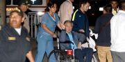 Perus tidigare president Alberto Fujimori lämnar sjukhuset i Lima.  HANDOUT / TT NYHETSBYRÅN