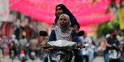 Valarbetare på Maldiverna. Eranga Jayawardena / TT NYHETSBYRÅN