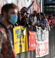 Arsenalfans protesterar mot ägaren Stan Kroenke efter planerna. Kirsty O'Connor / TT NYHETSBYRÅN