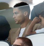 Ronaldo med flickvännen Georgina och sonen Cristiano Jr. Luca Bruno / TT NYHETSBYRÅN