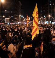 Demonstranterna i Barcelona.  Felipe Dana / TT NYHETSBYRÅN