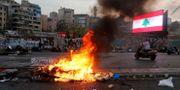 Bild från protesterna i Libanon idag. MOHAMED AZAKIR / TT NYHETSBYRÅN