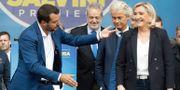 Tre högljudda EU-kritiker under ett möte förra veckan: Italiens Matteo Salvini, Frankrikes Marine Le Oen och Nederländernas Geert Wilders. Luca Bruno / TT NYHETSBYRÅN/ NTB Scanpix