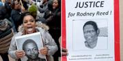 Demonstranter till stöd för Rodney Reed. TT