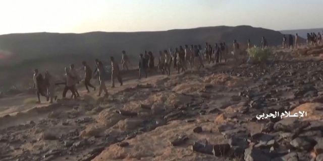 En grupp som huthirebellerna påstår är saudiska soldater. REUTERS TV / TT NYHETSBYRÅN