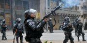 Militär på gatorna under oroligheterna på fredagen. RAUL ARBOLEDA / AFP