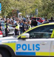 Polisavspärrningar i samband med den dödsskjutning som skedde i Hjällbo den 30 maj.  TT / TT NYHETSBYRÅN