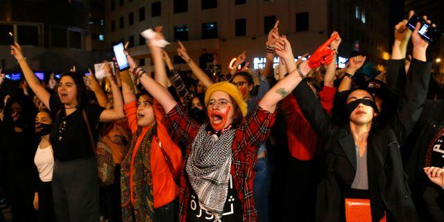 Kvinnorna protesterade mot sexuella trakasserier. Bilal Hussein / TT NYHETSBYRÅN