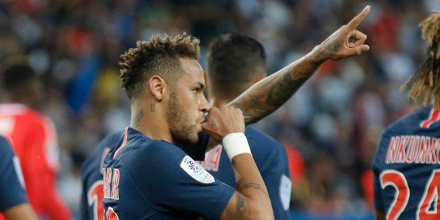 Neymar gjorde hattrick i matchen.  Michel Euler / TT NYHETSBYRÅN/ NTB Scanpix