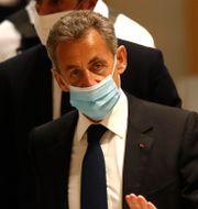 Nicolas Sarkozy anländer till rätten under måndagen.  Michel Euler / TT NYHETSBYRÅN