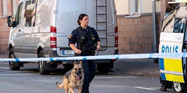 Polisen arbetar på brottsplatsen. Johan Nilsson/TT / TT NYHETSBYRÅN