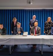 Avtalet mellan Kommunal, IF Metall, Svenskt Näringslivs och PTK skrivs under/Tommy Wreeth TT/Transportarbetarförbundet