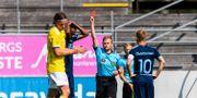 Malmö FFs Isaac Kiese Thelin tilldelas en utvisning av domare Fredrik Klitte. KRISTER ANDERSSON / BILDBYRÅN