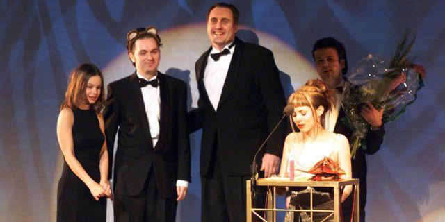 Rebecca Liljeberg, Lukas Moodysson, producenten Lars Jönsson samt Alexandra Dahlström, 1999. Tobias Röstlund / TT NYHETSBYRÅN