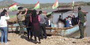 Här kliver barnen ombord på båten mot Irak. TV4 Nyheterna