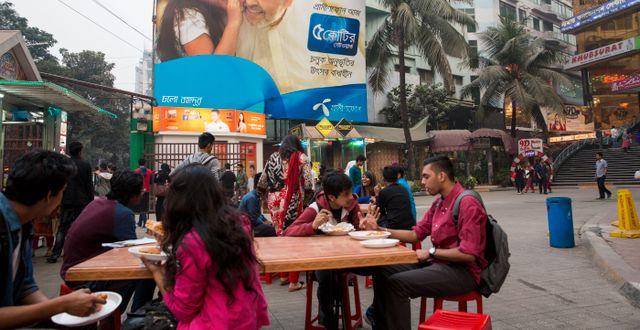 Telenors skylt i Dhaka i Bangladesh.  Stringer / TT NYHETSBYRÅN