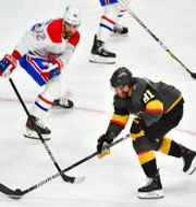 Montreal Canadiens Erik Gustafsson och Vegas Jonathan Marchessault.  STEPHEN R. SYLVANIE / BILDBYRÅN