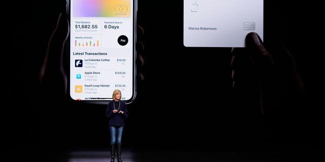 Arkivbild: Apple presenterar sitt kreditkort och Apple Pay. Tony Avelar / TT NYHETSBYRÅN