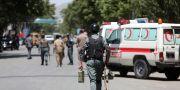Säkerhetspersonal och ambulans i Kabul. Arkivbild. Rahmat Gul / TT / NTB Scanpix