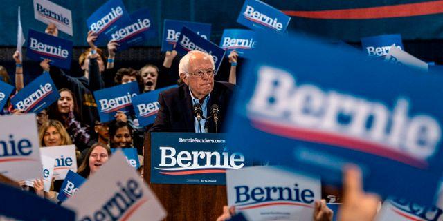 Bernie Sanders vid ett kampanjmöte i Virginia ERIC BARADAT / TT NYHETSBYRÅN