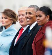 Paret Trump och paret Obama när Trump blev president. Alex Brandon / TT NYHETSBYRÅN