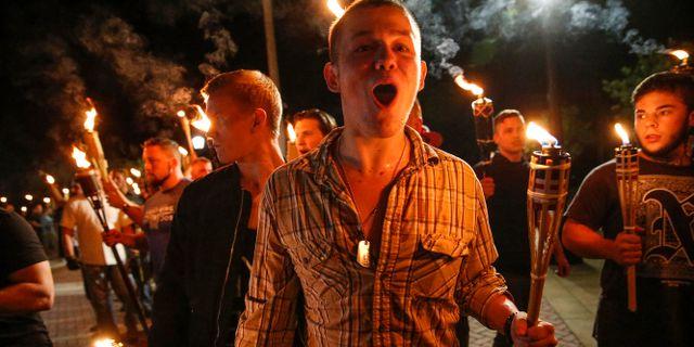 Vit makt-anhängare demonstrerade i Charlottesville på fredagen och på lördagen.    Mykal McEldowney / TT / NTB Scanpix