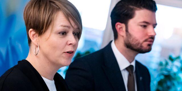 Katrin Stjernfeldt Jammeh (S) och Roko Kursar (L). Johan Nilsson/TT / TT NYHETSBYRÅN