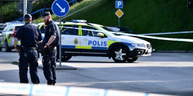 Polisen vill ha tips om politikermord