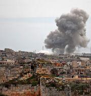 Byn al-Bara bombas i mars 2020. OMAR HAJ KADOUR / TT NYHETSBYRÅN