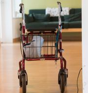 Illustrationsbild. Rullator på ett äldreboende.  Fredrik Sandberg/TT / TT NYHETSBYRÅN