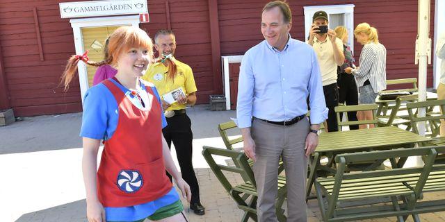 Stefan Löfven på Astrid Lindgrens värld i Vimmerby. Jonas Ekströmer/TT / TT NYHETSBYRÅN