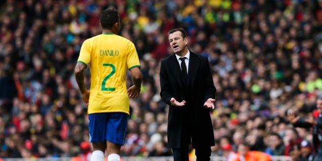 Brasilianska spelare och fans i slagsmal 3