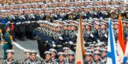 Ryska marinsoldater vid den årliga marschen. Alexander Zemlianichenko / TT NYHETSBYRÅN