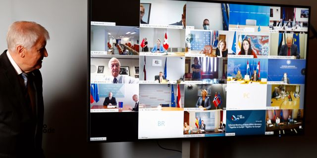 Horst Seehofer efter videomötet med sina EU-kollegor Fabrizio Bensch / TT NYHETSBYRÅN