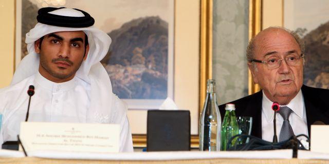 Sheik Mohammed bin Hamad al-Thani, Qatar, och Fifas Sepp Blatter. Osama Faisal / TT / NTB Scanpix
